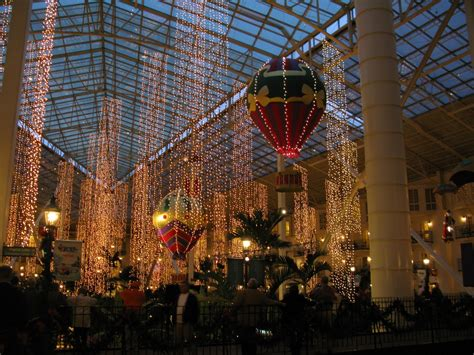 christmas lights of nashville c2c christmas light up at opryland nashville