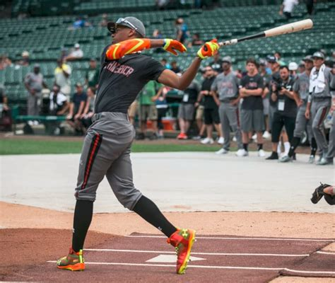 pros wear  armour  america game features