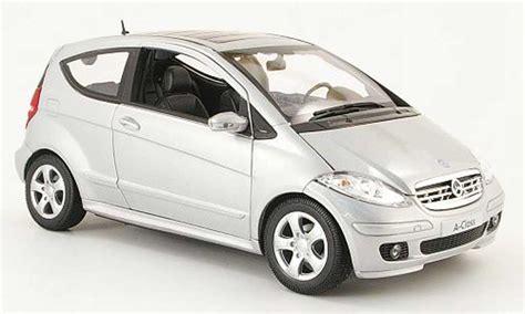 classe a 3 portes mercedes classe a miniature 200 grise 3 portes welly 1 18 voiture miniature
