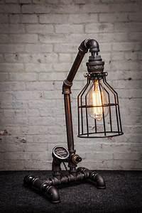 Lampe Chevet Industrielle : 17 meilleures id es propos de lampe en tuyau sur pinterest lampes industrielles lampes et ~ Teatrodelosmanantiales.com Idées de Décoration