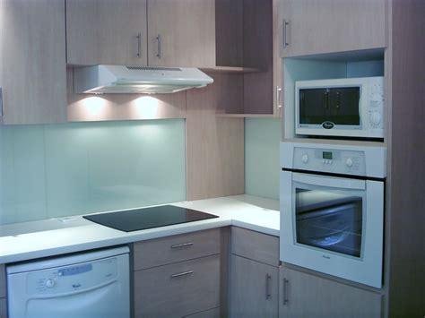 cr馘ence cuisine blanche credence plan de travail cuisine sptd profil de finition de cr dence en h fa ence