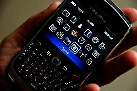 blackberry app world hits 10 000 apps