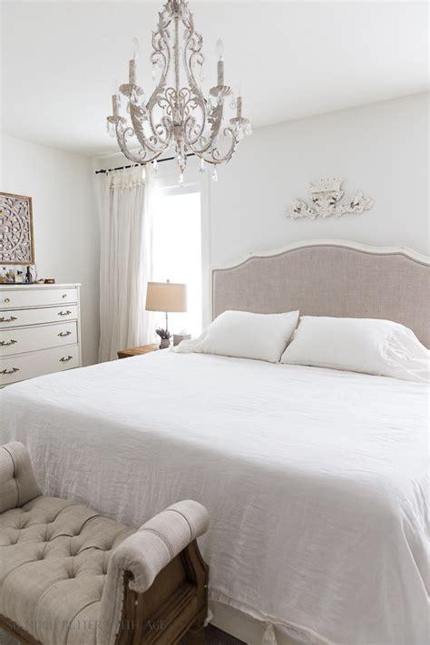 simply white  benjamin moore   white paint