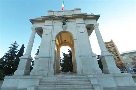 Porta Sant Andrea by Andria Porta Sant Andrea E Il Duomo Di Santa Assunta
