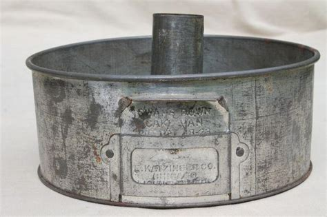 antique swans  cake pan  vintage baking tin