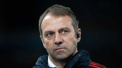 Check spelling or type a new query. Hat Hansi Flick Kinder - FC Bayern München: Trainer Hansi ...