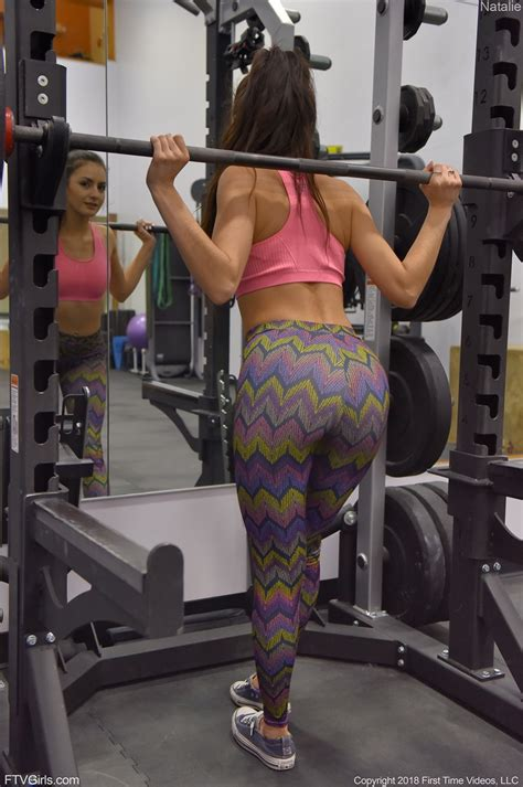 Gym Girl Natalie Ftv Pulls Down Her Yoga Pants In The Gym