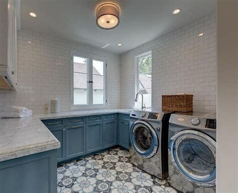 kitchen cabinets in a box 25 best ideas about blue laundry rooms on 8067