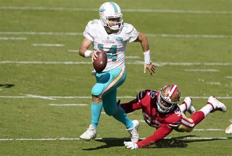 NFL: Ryan Fitzpatrick shines as Dolphins cruise past 49ers