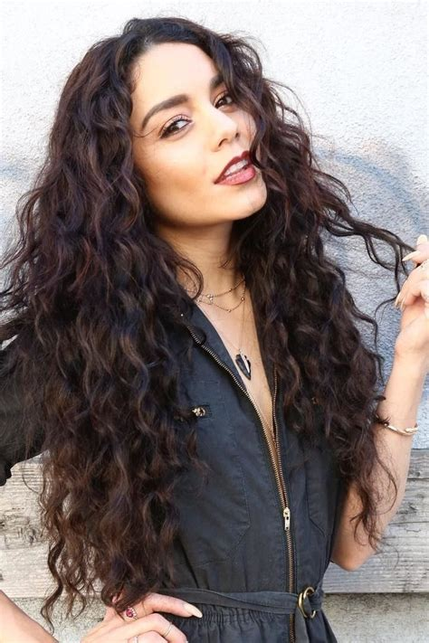 images  long hairstyles  pinterest long wavy hairstyles wavy hair