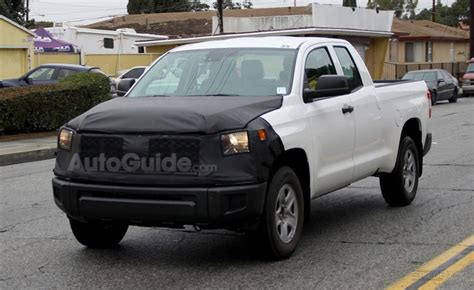 toyota tundra spied sporting  facelift autoguide