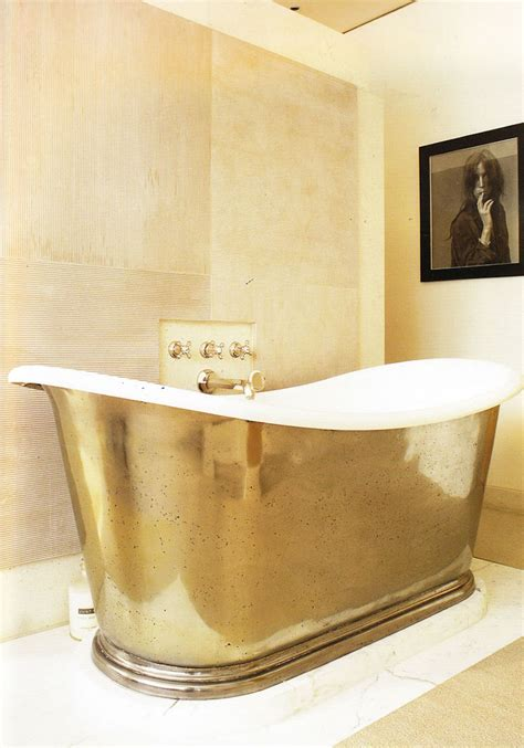 10 Glamorous Luxury Bathrooms With Golden Touch