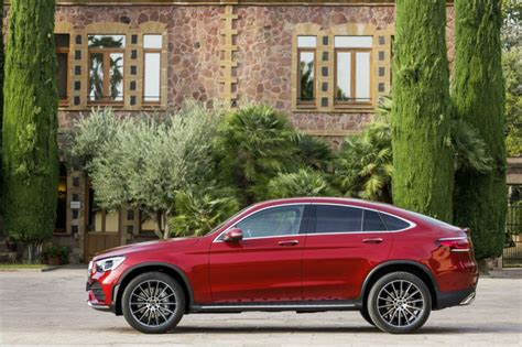Use our free online car valuation tool to find out exactly how much your car is worth today. Mercedes GLC 2019 : le coupé lui aussi mis à jour - Photo ...