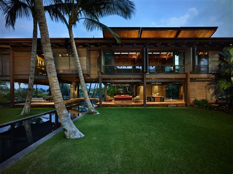 Tropical Home : Tropical Modern House Design