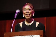 Rita Owens, Queen Latifah mom At New Jersey Hall of Fame ...