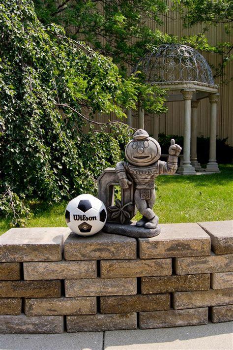 ohio state university brutus buckeye statue