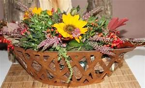 Herbstdeko Für Den Garten : ab sofort dekorieren wir mit bl ttern beeren kastanien ~ Lizthompson.info Haus und Dekorationen