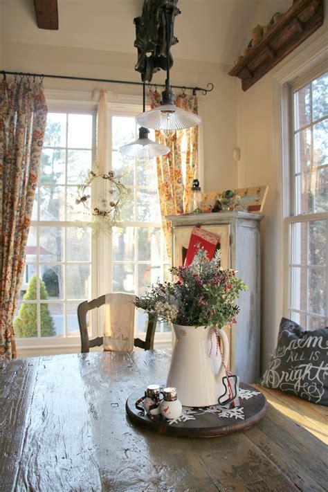 simple christmas decorating ideas   kitchen debbiedoos