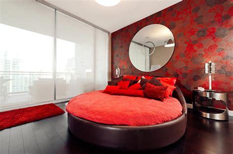 chambre a coucher amoureux lit rond au cœur d une chambre au design original
