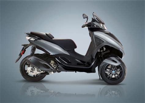 piaggio mp3 300 2018 piaggio mp3 300 yourban lt review total motorcycle