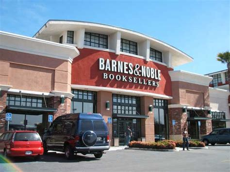 Galleria Barnes And Noble by Riverside S Galleria At Mall Turns 40 Raincross Square