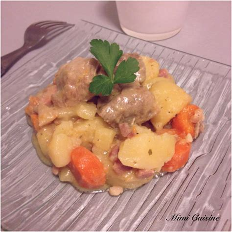 saucisses fumees aux pommes de terre et sauce douceur