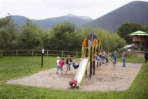 aires de jeux pour enfants en auvergne vulcania