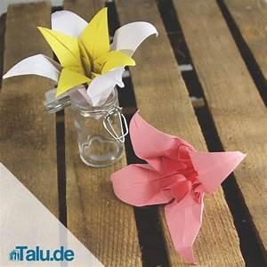 Einfache Papierblume Basteln : einfache papierblume basteln papierblumen basteln einfache anleitung f r eine blumen wanddeko ~ Eleganceandgraceweddings.com Haus und Dekorationen