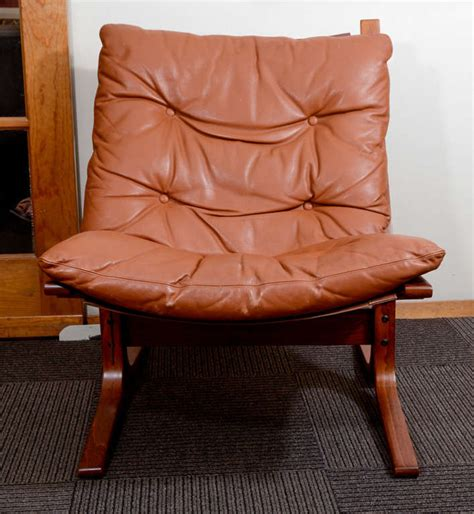 pair of mid century modern leather quot sling quot chairs