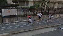 Google地圖驚見小學生被2女生追! 網友笑:真人版「胖虎追大雄」 - boMb01