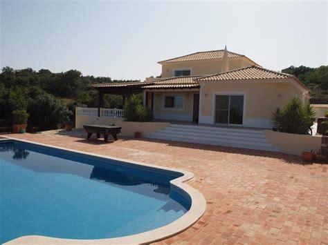 chambre piscine villa de standing avec 4 chambres et piscine