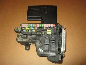 Purchase 2004 Dodge Ram 1500 4 7l V8 Fuse Box Integrated