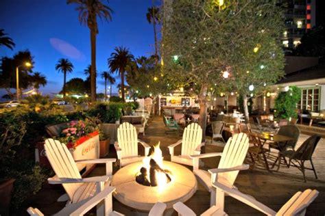 Guide To Nightlife In Santa Monica