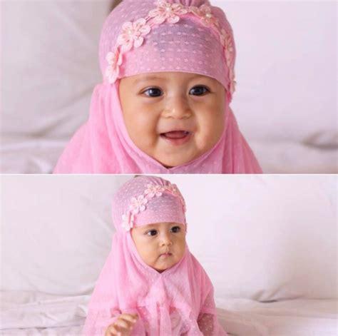 potret balita  pakai hijab lucu  menggemaskan