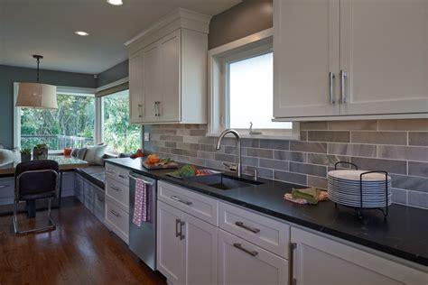 aviva cuisine davaus cuisine chene repeinte blanc avec des idées intéressantes pour la conception de