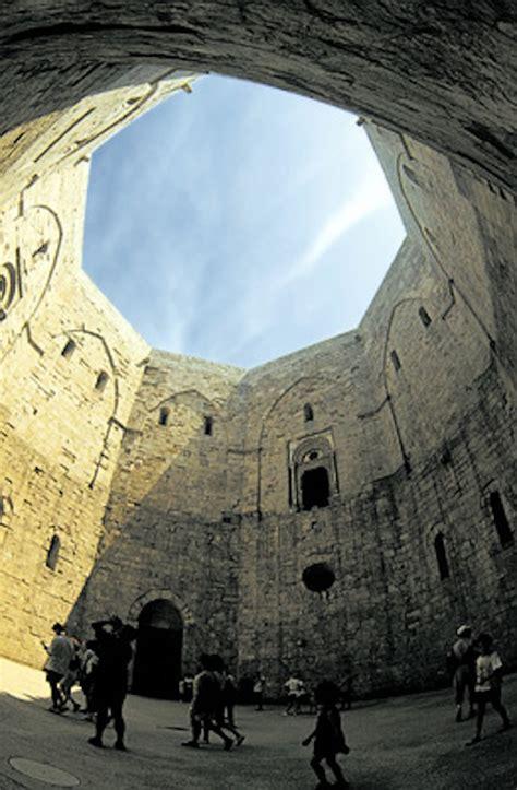 Castel Monte Interno by L Italiano Con Castel Monte Adgblog