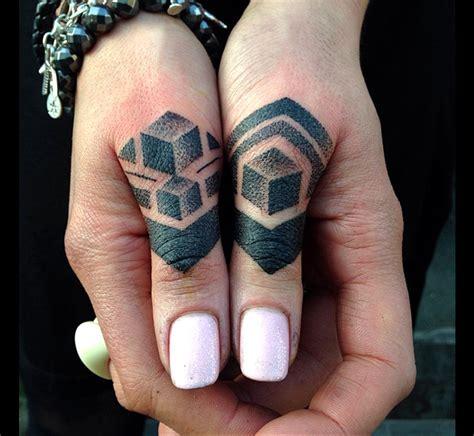 tatouage doigt faut il loser tattoome le meilleur