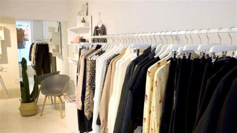 11 Modeshops, Um Den Kleiderschrank Mal Wieder Aufzupimpen Pavillon Everyday Sindelfingen Beige 3x3 Mies Van Der Rohe Gazebo Dänisches Bettenlager Elbphilharmonie Ikea