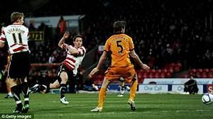 Doncaster 2 Wolves 2: Hunt saves blushes of 10-man ...