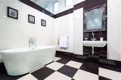 bagno bianco e nero 20 idee di arredo originali mondodesign it