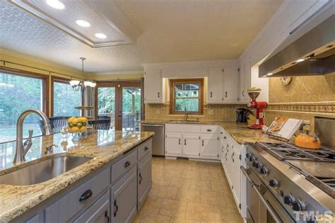cost  paint kitchen cabinets
