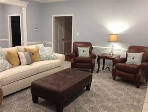is it ok to mix different leather colors With mixing leather furniture in living room