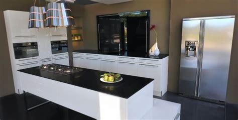 quartz cuisine cuisine cuisine quartz noir 1000 idées sur la