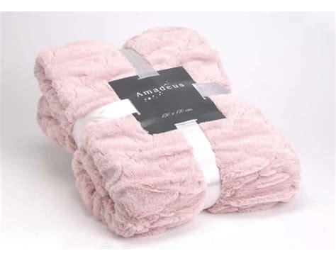 plaid tout doux pas cher plaid 170 130 cm textile amadeus