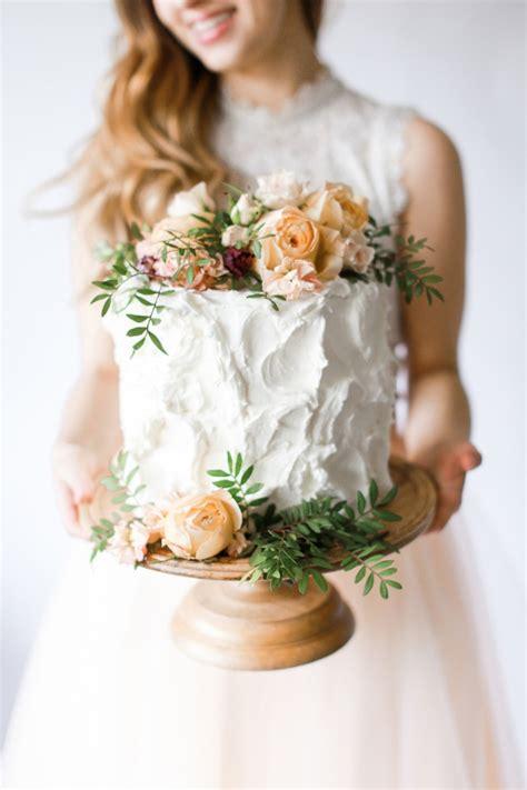 blog pretty foliage tips for diy wedding cake flowers