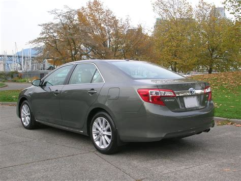 Toyota Camry Hybrid Xle by 2014 Toyota Camry Hybrid Xle Road Test Review Carcostcanada