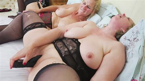 Molly Meets Shooting Star By Mature British Lesbians