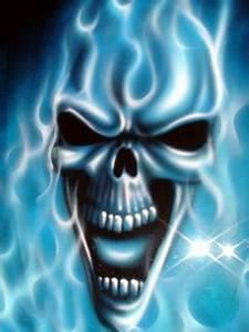 Картинка на телефон Blue-flame-skull размером 240x320 точек