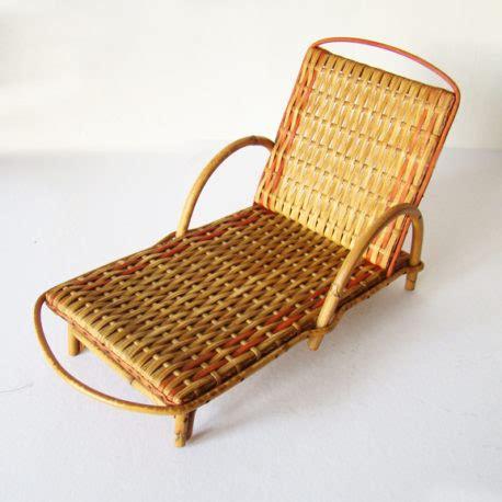 chaise longue en rotin ancienne chaise longue rotin transat osier modèle ancien jouets