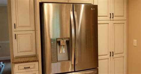 kraftmaid cabinets purchase kraftmaid offwhite cabinets with a glaze build in the